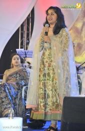 meera jasmine in sneha sangeetham music festival 2016 photos 029 007