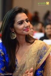 sruthi hariharan at solo malayalam movie audio launch photos 119 001