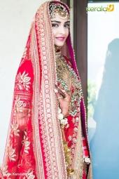 sonam kapoor in wedding dress photos  1