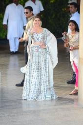 sonam kapoor wedding mehendi photos 1