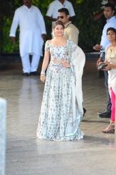 sonam kapoor wedding mehendi photos 2