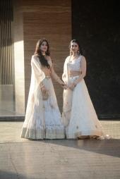 sonam kapoor wedding mehendi photos 5