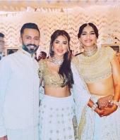 sonam kapoor wedding mehendi photos 7