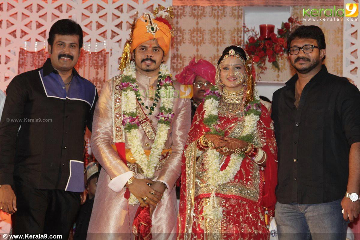 Sreesanth Gallery: Sreesanth_nayan_wedding_reception_photos 00928