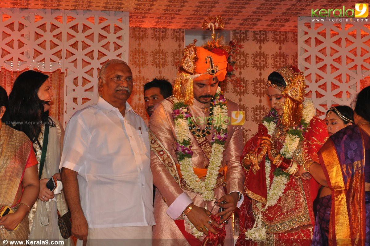 Sreesanth Gallery: Sreesanth_wedding_reception_pics 01939