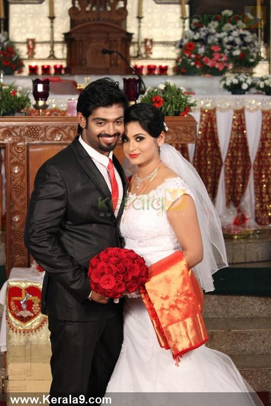 Sruthi Lakshmi Marriage Photos And Wedding Album Kerala9com