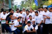 suresh gopi in mini marathon trivandrun stills 357 002