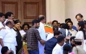 dhanush at jayalalitha funeral pictures 128 001