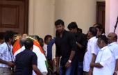 vishal at jayalalitha funeral pics 122 002