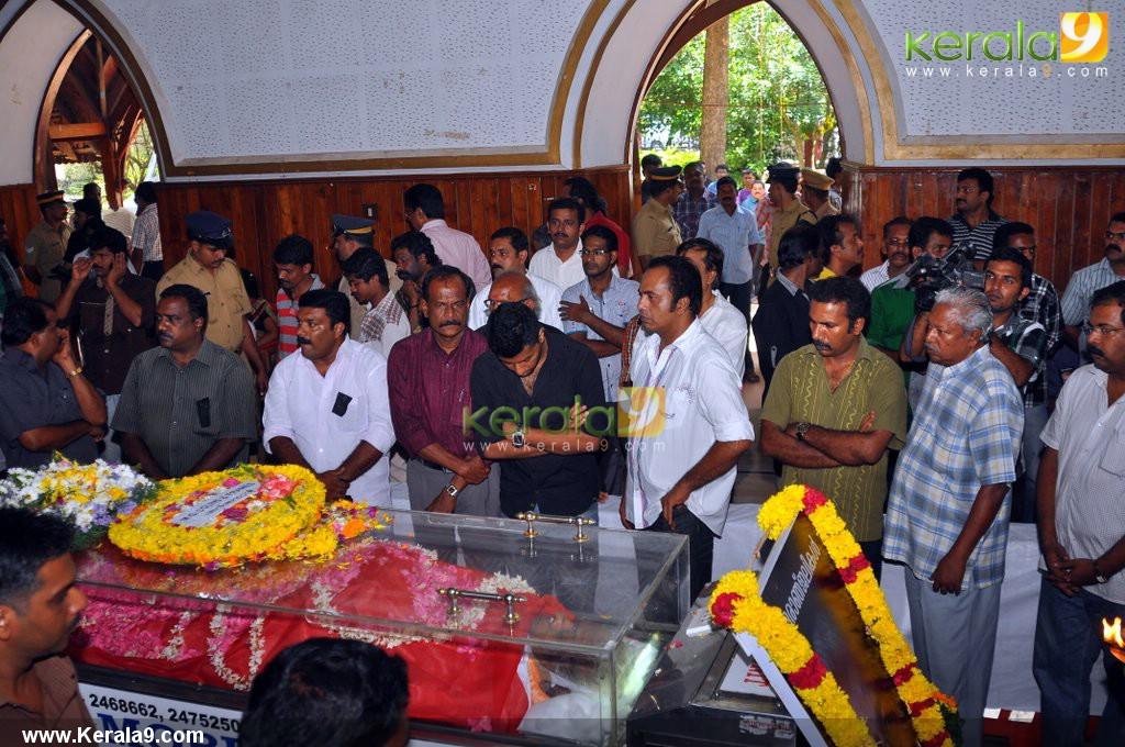 9031thilakan funeral photos 77 0