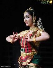 uthara unni bharatanatyam pics 100 001