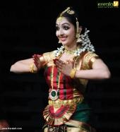 uthara unni bharatanatyam pics 100 005