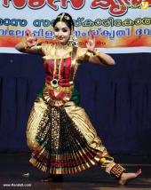 uthara unni bharatanatyam pictures 300 002
