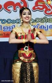 uthara unni bharatanatyam pictures 300 007