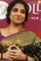 6395vidhya balan at joy alukkas inauguration photo gallery 77 0