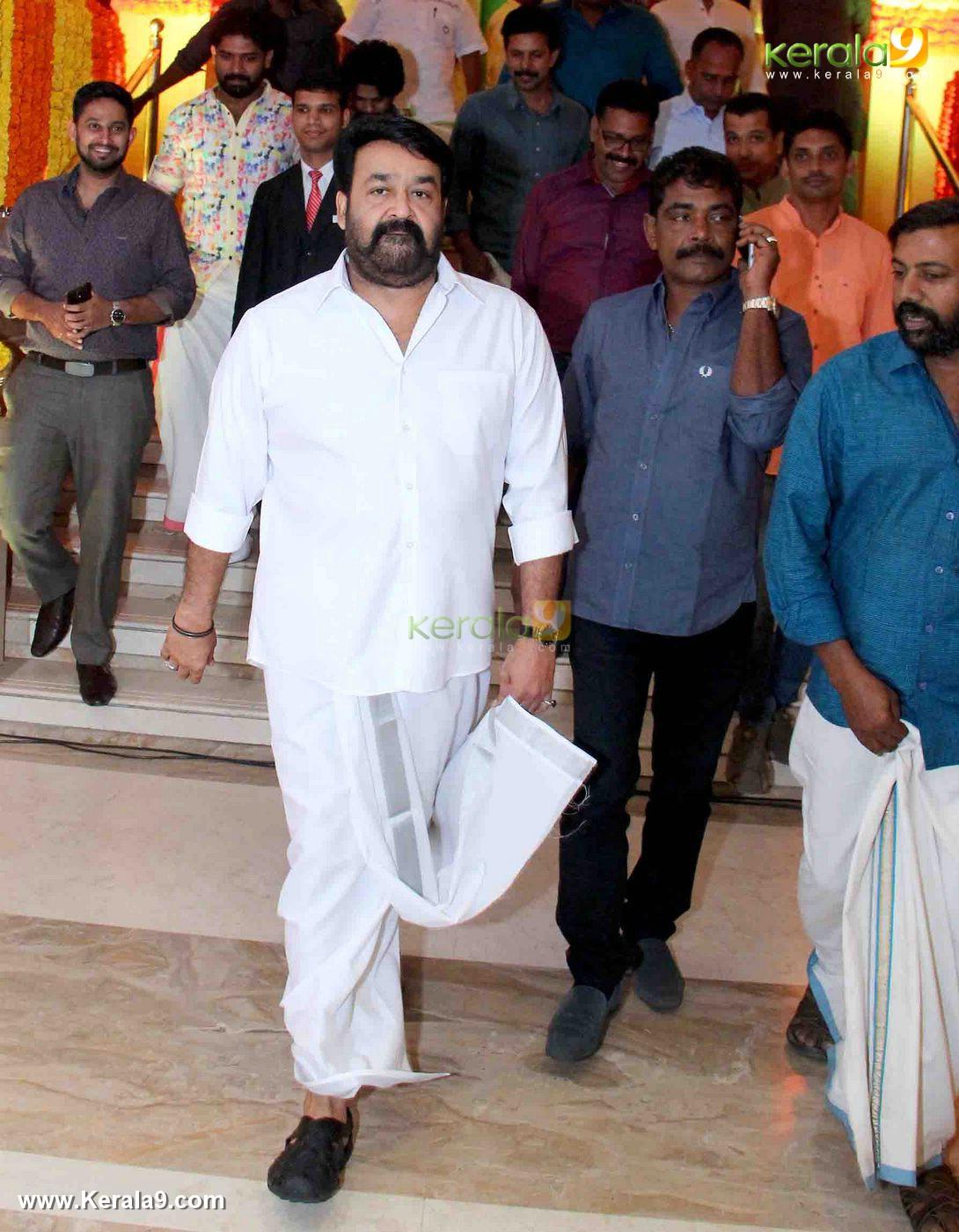 mohanlal at vijayaraghavan son wedding reception photos 092 062