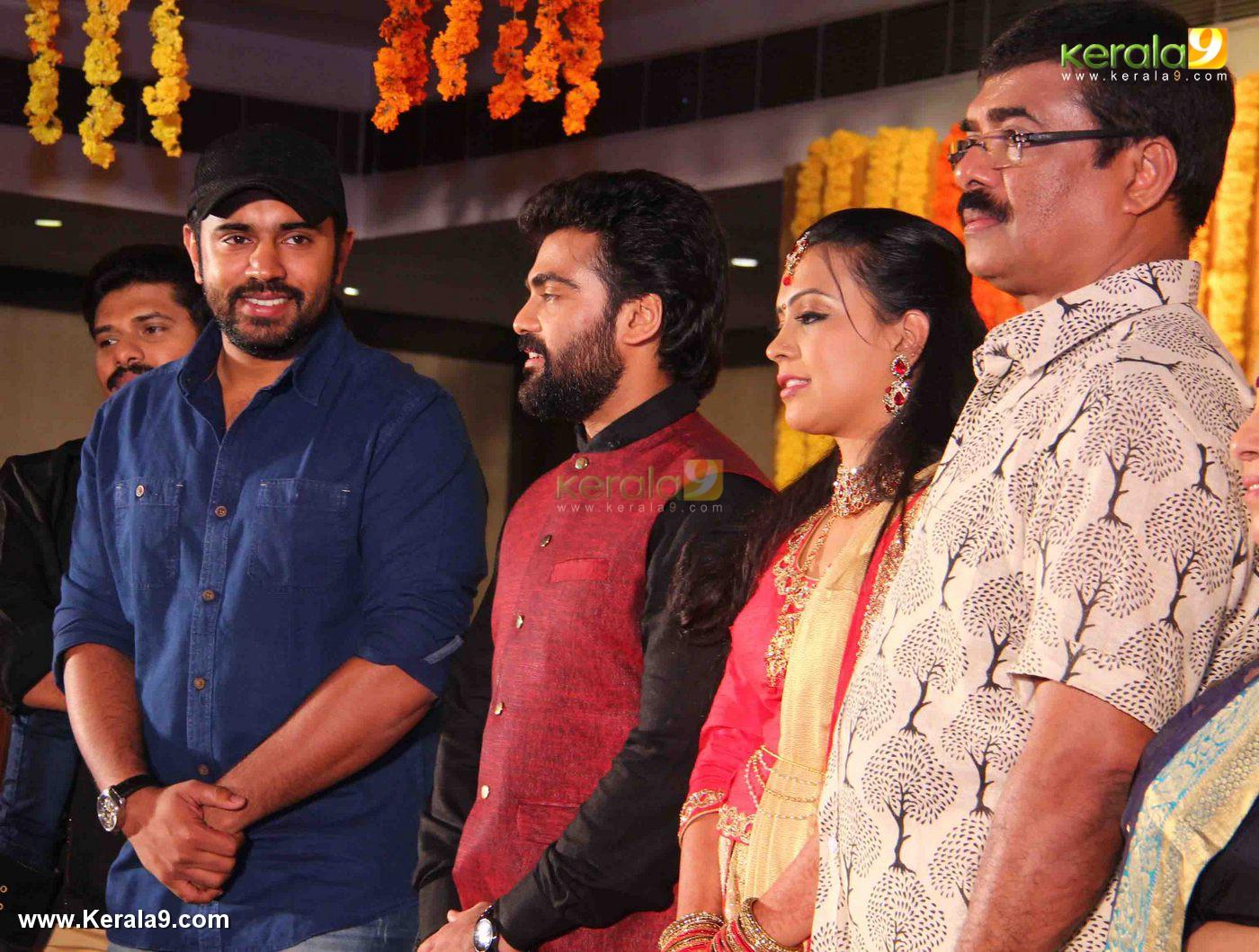nivin pauly at vijayaraghavan son wedding reception photos 092 070