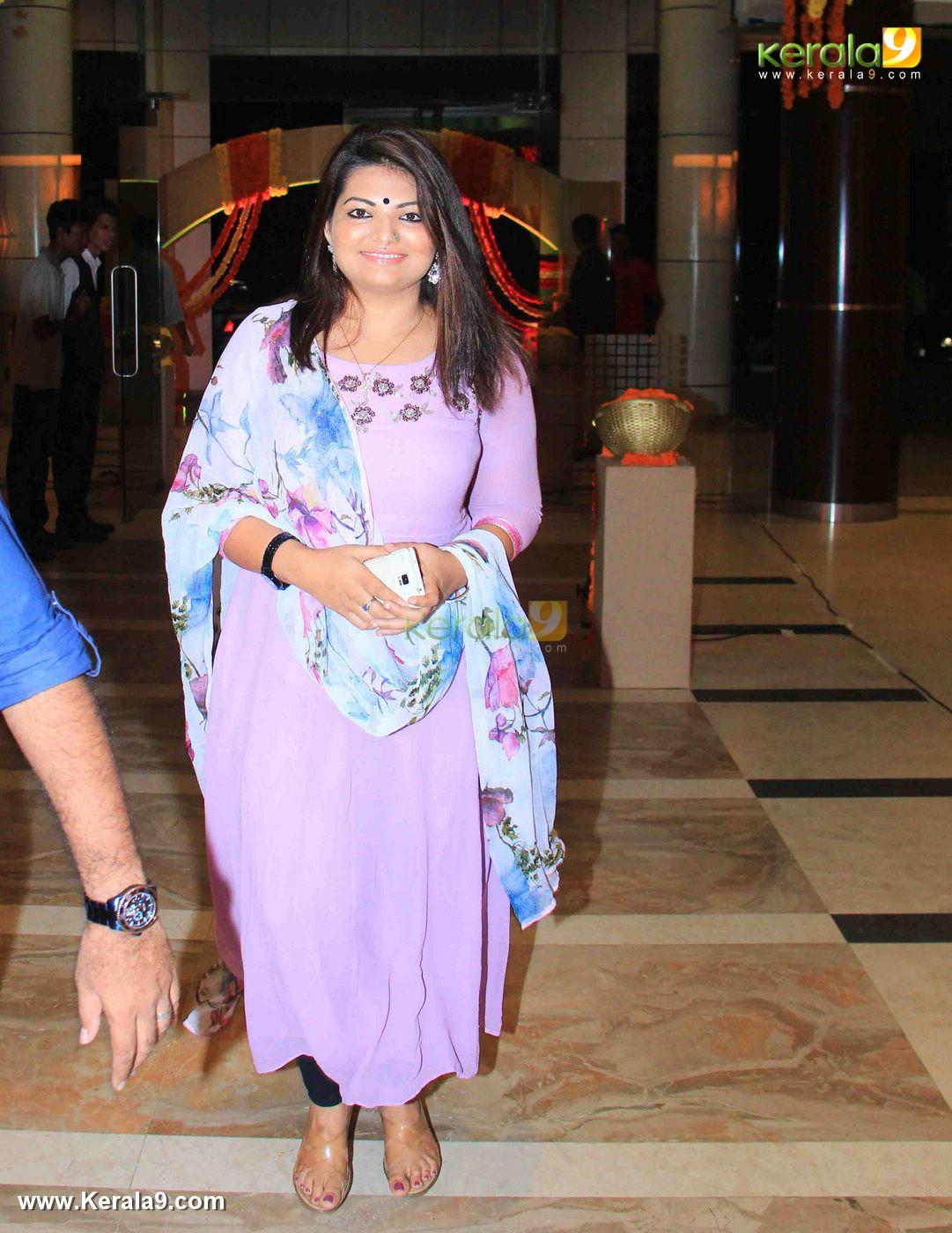 sandra thomas at vijayaraghavan son wedding reception photos 092 028