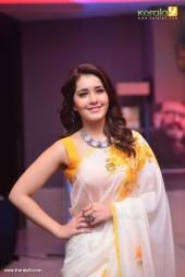 rashi khanna at villain malayalam movie audio launch photos 115 015