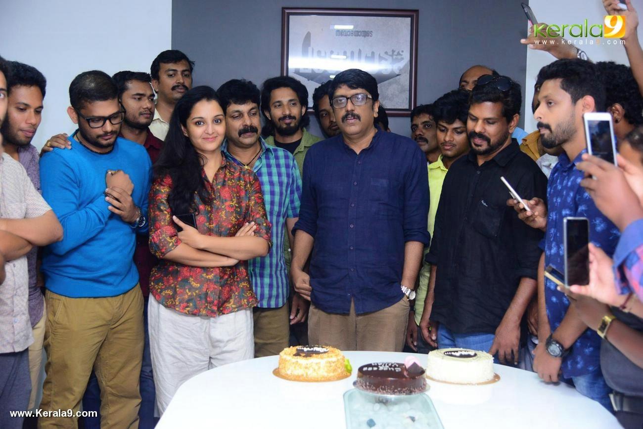 villain malayalam movie success meet photos 121 027