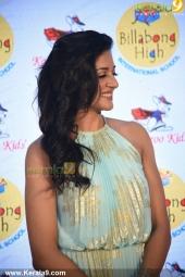 vimala raman at fwd cover launch photos 100 008