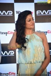vimala raman at fwd cover launch photos 100 010