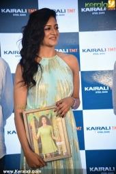 vimala raman at fwd cover launch photos 100 021