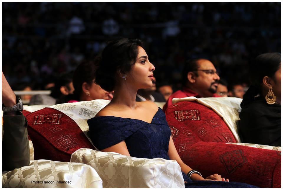aishwarya lekshmi at yuva awards 2017 photos 125 002