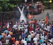 yuva morcha youth congress secretariat march at thiruvananthapuram pictures 333 004