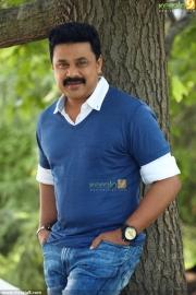 dileep two countries malayalam movie stills