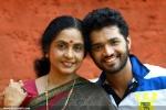 7177abhiyum naanum movie stills 04 0