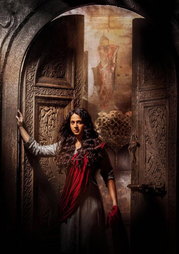 anushka bhagmati latest stills  00