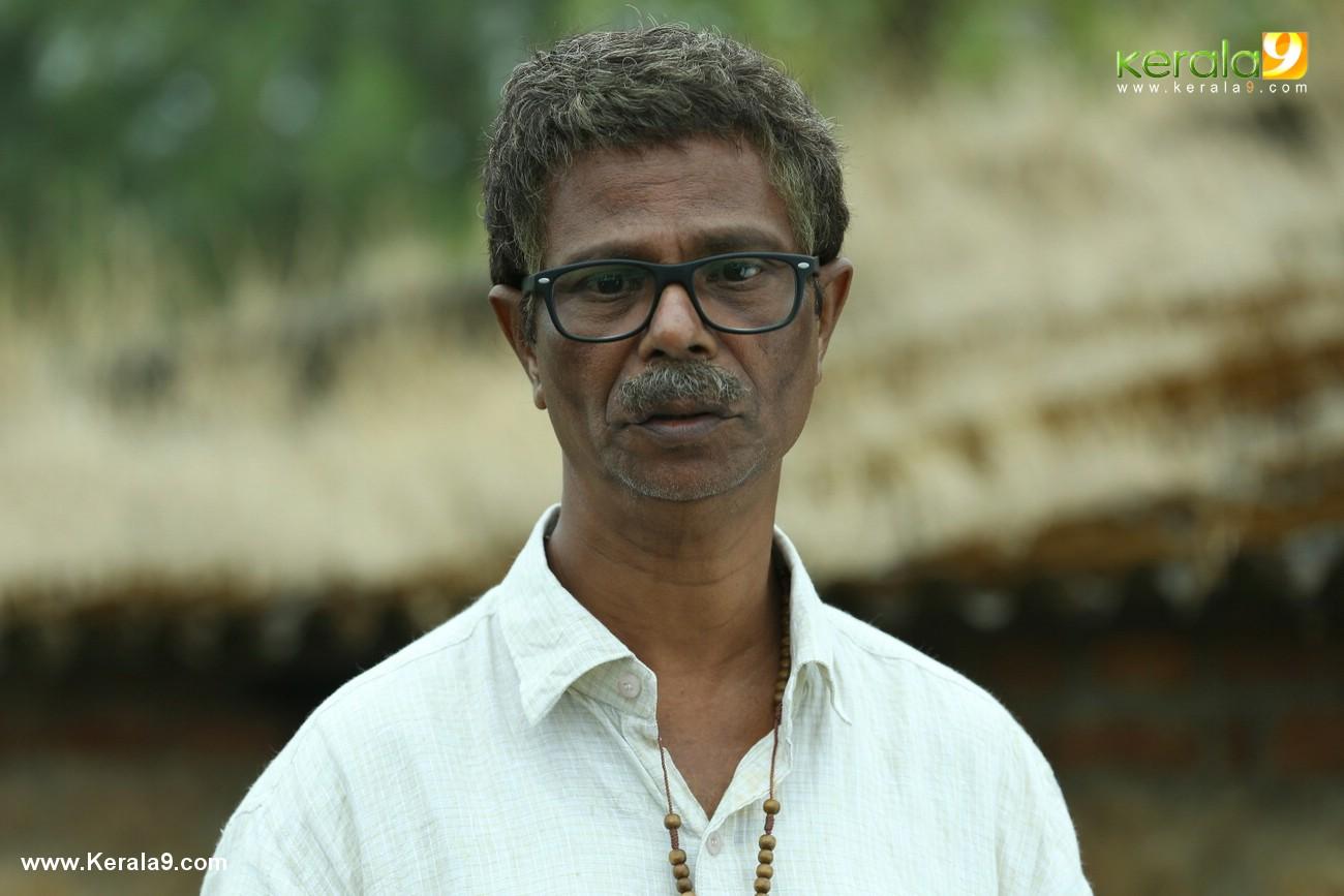 indrans in chanakya thanthram movie stills 35