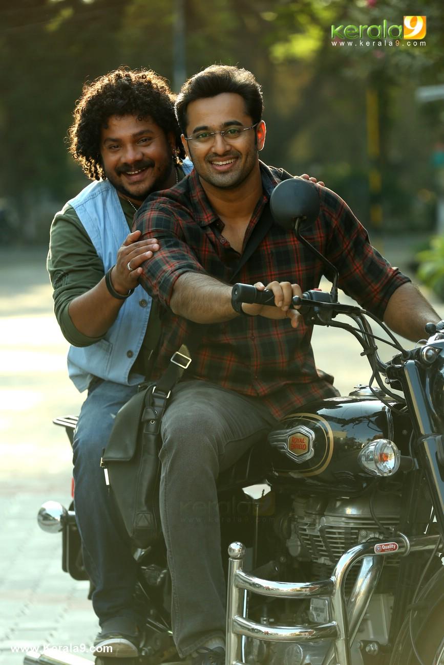 unni mukundan in chanakya thanthram movie stills 2