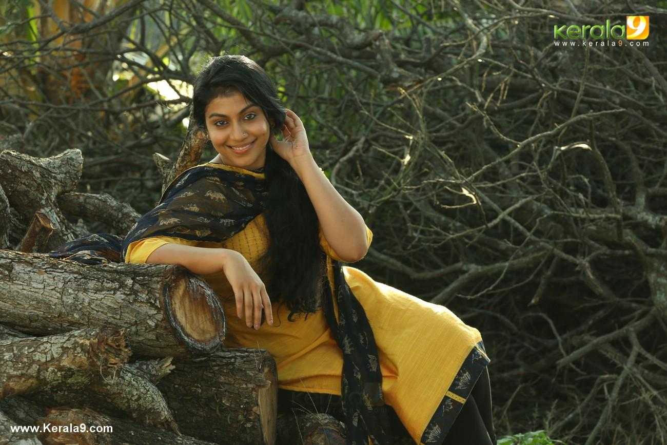 actress shruthi ramachandran in chanakya thanthram movie stills 3