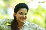 chunkzz malayalam movie honey rose photos 000 008