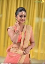 chuttalabbai telugu movie namitha pramod pics 200 001
