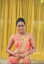 chuttalabbai telugu movie namitha pramod pics 200