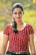 chuttalabbai telugu movie namitha pramod pics 210