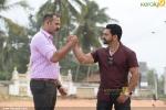 padmaraj ratheesh in dham malayalam movie photos 110 002