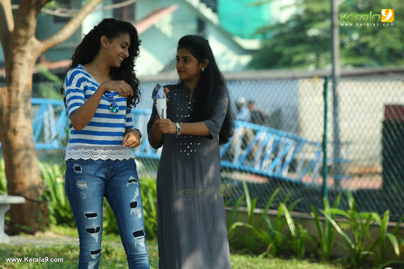 actress nithya naresh and nidhi ennalum sarath movie photos