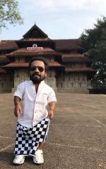 ilayaraja guinness pakru malayalam movie stills