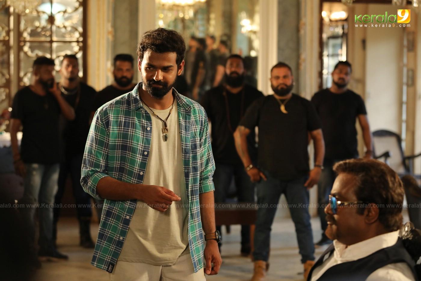 irupathiyonnam noottandu movie stills 3