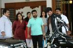 jomonte suvisheshangal malayalam movie pics 258
