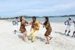 kadavul irukan kumaru tamil movie pictures 258 001