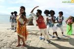 kadavul irukan kumaru tamil movie pics 200
