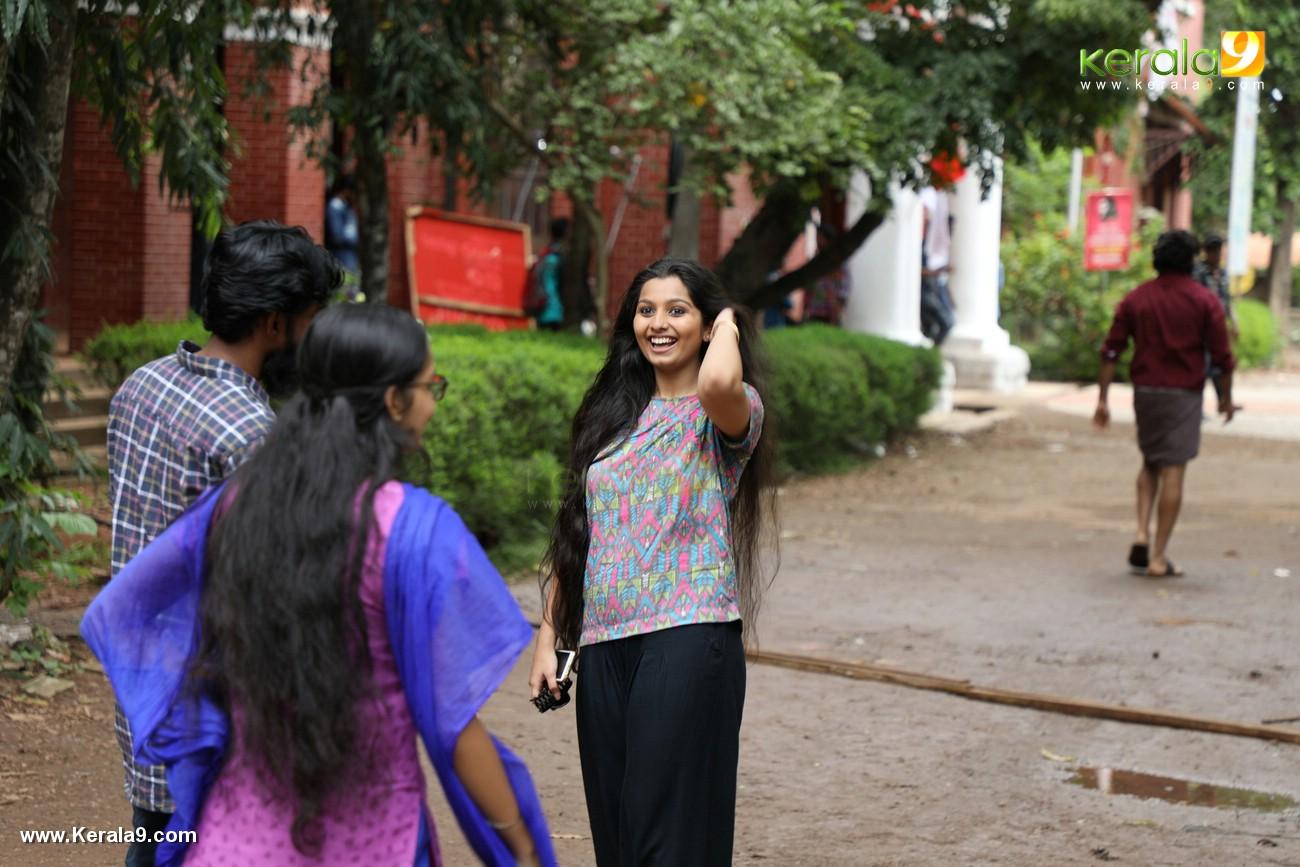 kala viplavam pranayam malayalam movie photos 121 001