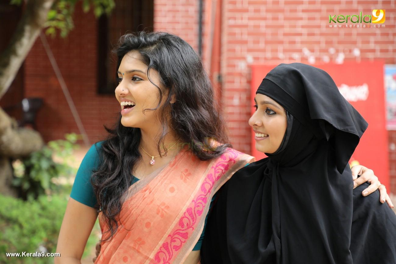 kala viplavam pranayam malayalam movie photos 123 017