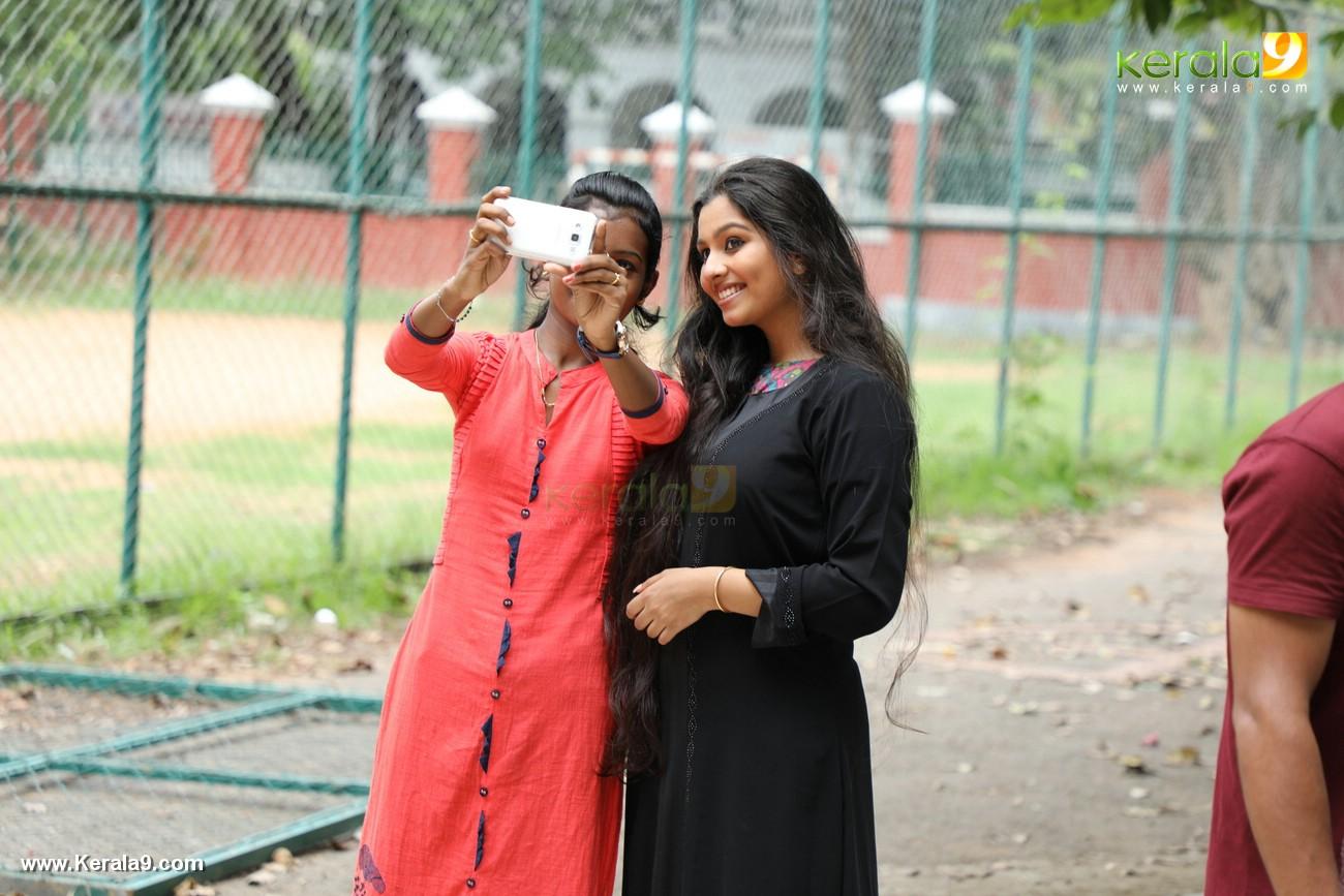 kala viplavam pranayam malayalam movie photos 123 019