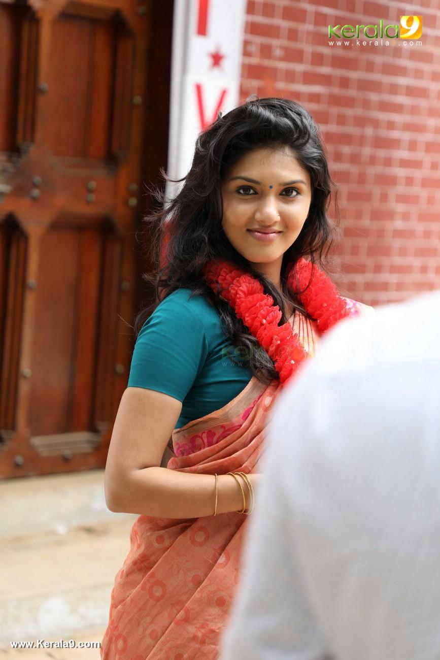 kala viplavam pranayam movie gayathri suresh photos 125 003